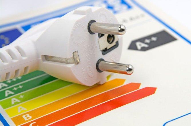 Achten Sie beim Neukauf von Geräten auf Energieeffizienz, um Kosten zu sparen