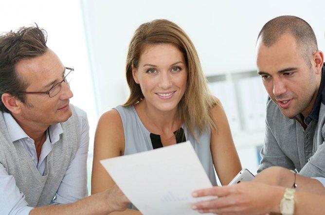 Kontaktieren Sie unser Kontakt-Center, wenn Sie als Gewerbetreibender Fragen haben.